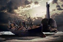 Destruição de um barco de carga grande Fotos de Stock