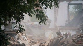 Destruya el edificio abandonado vacío viejo metrajes
