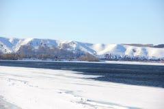 Desviación del hielo en el río Imagen de archivo libre de regalías