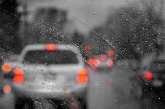 Deszcz i ruch drogowy Obrazy Royalty Free