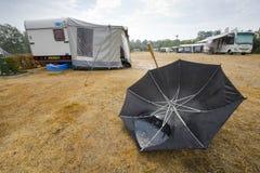 Deszcz na campingu zdjęcie stock