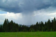 Deszcz nad rzeką Zdjęcie Royalty Free