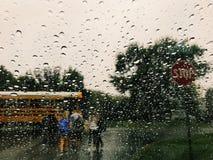 Deszczowy dzień autobusowa przerwa fotografia royalty free