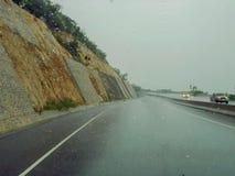 Deszczowy Dzień autostrady wycieczka samochodowa obraz stock