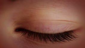 Det åldras ögat. Närbild stock video
