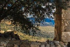 Det övreGalilee berglandskapet som inramas av stenar, vaggar och fördärvar av den forntida fästningen, den Israel sikten Royaltyfri Foto