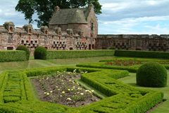 det 16th århundradet arbeta i trädgården scotland Arkivfoto