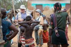 Afrikanskt folk och turism Royaltyfri Bild