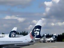 Det Alaska flygbolaget sprutar ut i Seattle. Wa. Royaltyfria Foton
