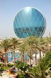 Det Aldar högkvarterbyggandet är den första cirkulärbyggnaden av dess sort i Mellanösten Royaltyfria Foton