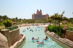 det aquaventureatlantis hotellet gömma i handflatan waterpark Royaltyfria Bilder