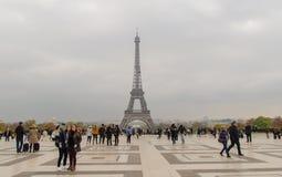 Det attraktivaste stället i den Paris sikten till Eiffeltorn från den Trocadero fyrkanten Fotografering för Bildbyråer
