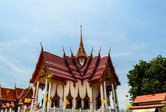 Dagsljus av det thailändska tempelet Arkivfoto
