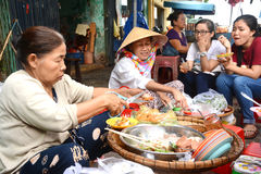 Det bakar ihop - Vietnam kokkonst Arkivbilder