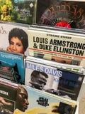 Det berömda Jazz Music For Sale In musikmassmedia shoppar Royaltyfria Foton