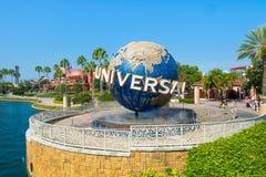 Det berömda jordklotet på de universella nöjesfälten i Florida Royaltyfri Fotografi