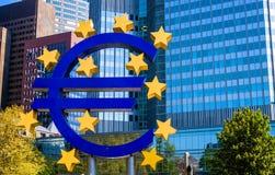 Det berömda stora eurotecknet Royaltyfri Foto