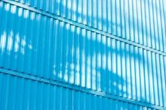 Det blåa diagramet av korrugerad textur Begrepp: pålitligt abstrakt, idérikt, konst, staket Arkivbilder