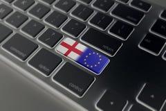 Det Brexit begreppet med England och EU sjunker på ett datortangentbord Arkivbild