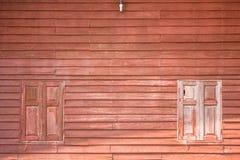Det bruna wood fönstret Arkivfoto