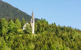 Det bryta kapellet av S maddalena Det gotiska kapellet byggdes i 1480 av gruvarbetarna av Monteneve, den Ridanna Valley/Ridnaun d Arkivbild