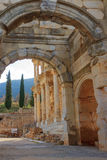 Det Celsus arkivet av Ephesus den forntida staden Arkivfoton