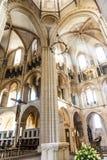 Det centrala skeppet av den Limburg domkyrkan Arkivfoto