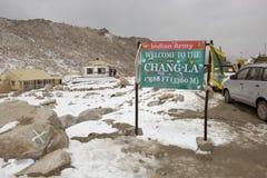 Det Chang La passerandet i Ladakh Royaltyfri Fotografi