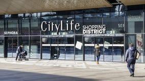Det CityLife shoppingområdet som öppnas i Oktober 2017, är en shoppingmitt med 100 shoppar i det Tre Torri området Arkivfoto