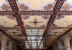 Det de la arcada del paso inferior de New York City Central Park Bethesda Terrace Imagenes de archivo