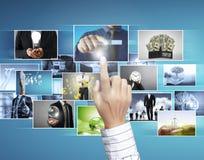 Det digitala fotoet för manförtitt Fotografering för Bildbyråer