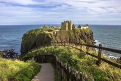 det dunnottar slottet fördärvar Stonehaven Aberdeenshire, Skottland royaltyfria bilder