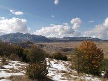 Det Durmitor berget i hösten Arkivfoto