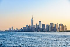 Det första ljuset över Lower Manhattan, NYC, USA Fotografering för Bildbyråer