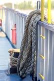 Det förtöja repet på skeppet Arkivbild