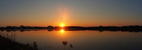Det fantastiska landskapet av det h?rligt saltar l?genheter under solnedg?ngen p? Colonia de Sant Jordi, Ses saltdam, Mallorca, S arkivbilder