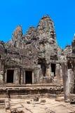 Det forntida fördärvar av en historisk en khmertempel i tempelcomplen Royaltyfri Bild