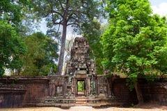 Det forntida fördärvar av en historisk en khmertempel i tempelcomplen Fotografering för Bildbyråer