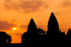 Det forntida fördärvar av en historisk en khmertempel i tempelcomplen Royaltyfri Fotografi