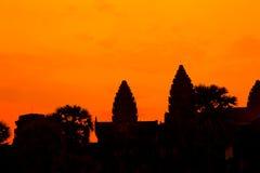 Det forntida fördärvar av en historisk en khmertempel i tempelcomplen Arkivfoton