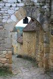 Det forntida medeltida i Beynac byar, Dordogne dal Royaltyfria Bilder