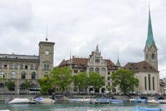 Det gamla centret av Zurich på Schweiz Royaltyfri Foto