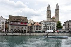 Det gamla centret av Zurich på Schweiz Arkivfoton