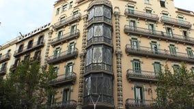 Det gamla härliga huset i Barcelona spain stock video