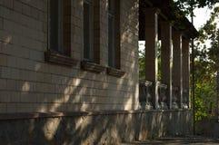 Det gamla huset av banbrytarna Arkivbild