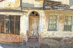 det gammala huset fördärvar royaltyfria bilder