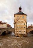 Det gammala stadshuset i Bamberg (Tyskland) i vinter royaltyfria bilder