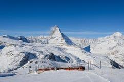 Det Gornergrat drevet och Matterhornen Royaltyfria Foton