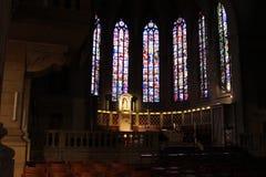 det gotiska exemplet för 1613 för arkitekturdomkyrka för prydnadar också för kyrka för grundpelare element för dame har emellerti royaltyfria foton