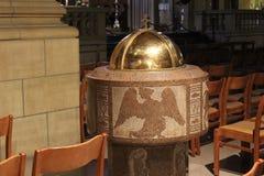 det gotiska exemplet för 1613 för arkitekturdomkyrka för prydnadar också för kyrka för grundpelare element för dame har emellerti arkivfoton